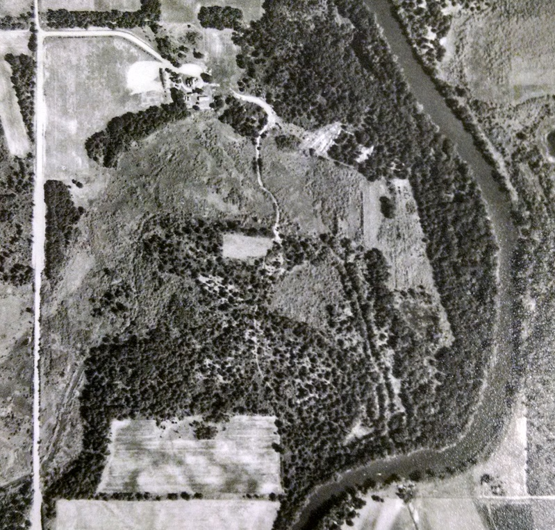 Bar L Ranch Club site, 1953 aerial photo. The bright, white area near the upper-left corner of the photo is the site of the former Johnson Sisters Rest Home. There is no golf course at this point. The Rum River runs along the right side of the photo. Courtesy John Borchert Library, University of Minnesota.